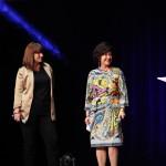 Isabelle Schlumberger de JC DECAUX remet le Grand prix des stratégies médias 2014